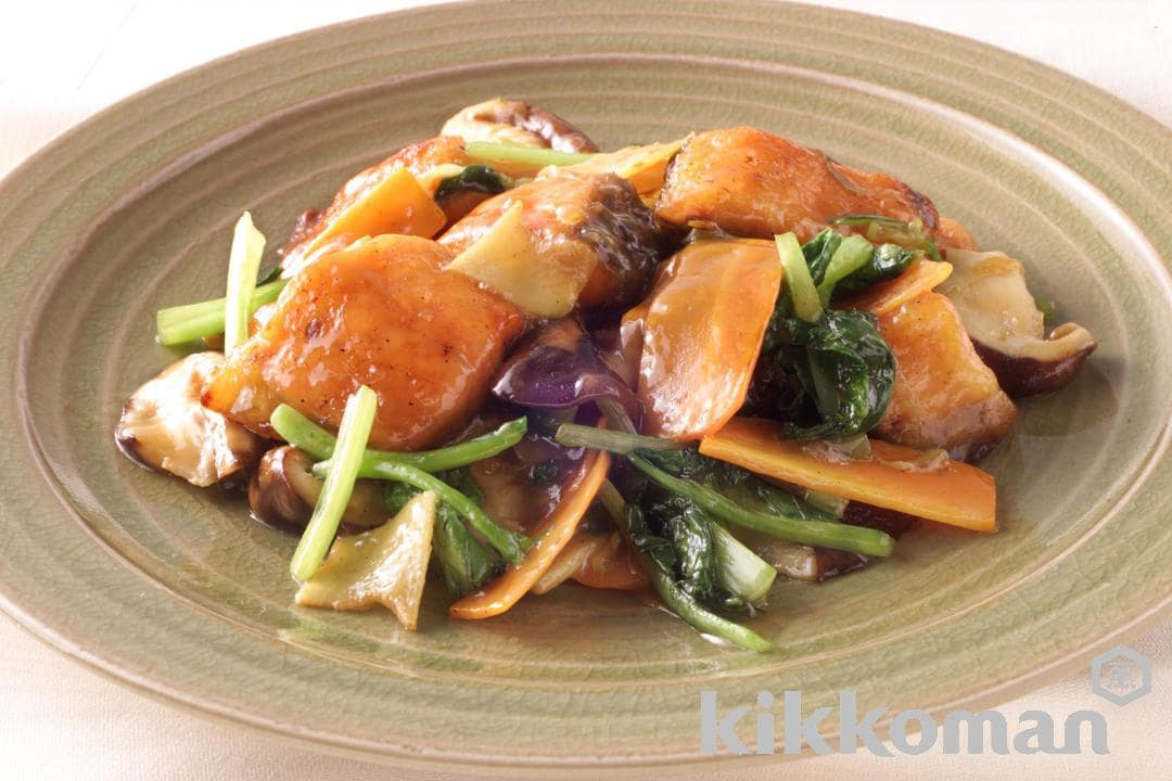 Chinese-Style Salmon and Veggies Fried in Soy Sauce