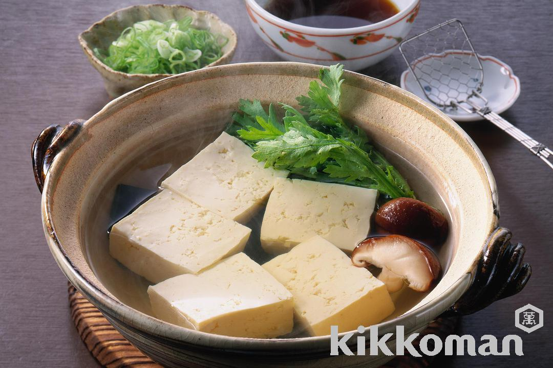 Tofu in Kelp Stock