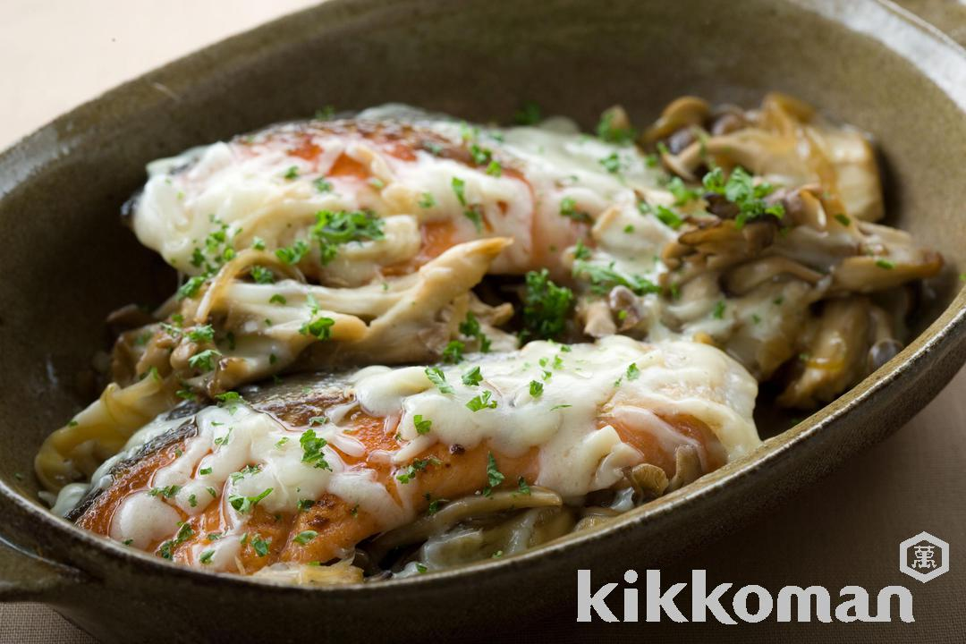 Grilled Salmon with Cheese and Mushrooms