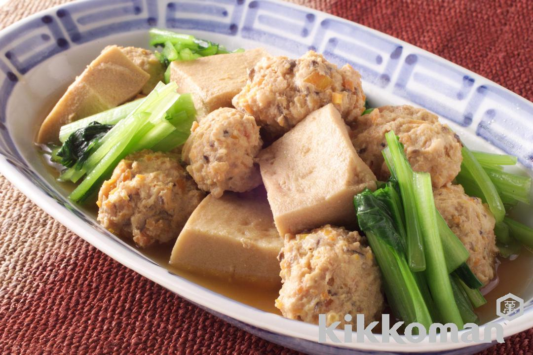 Minced Chicken Balls and Freeze-dried Tofu Simmered in Seaweed Stock