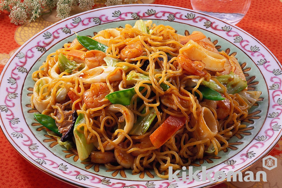 Fried Noodles with Seafood and Oyster Sauce