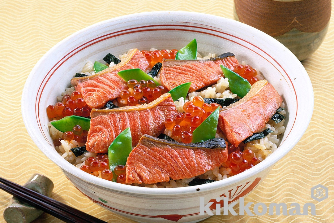 Flavored Rice with Salmon and Roe