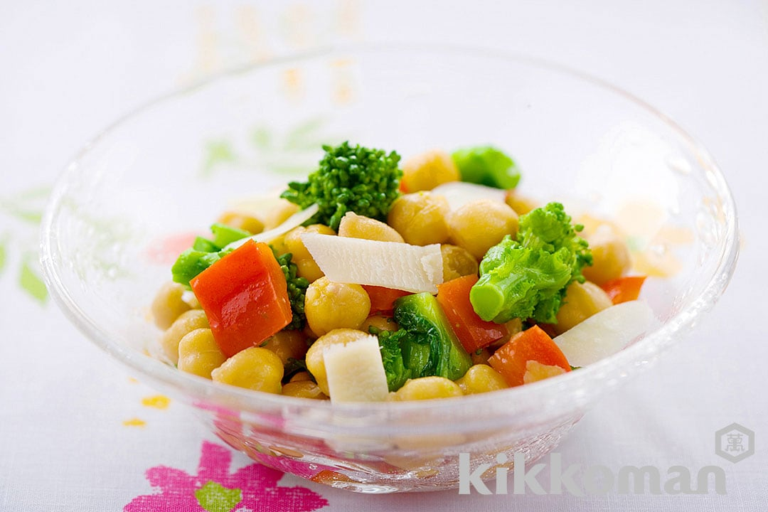Nanohana Salad with Bell Peppers and Chickpeas